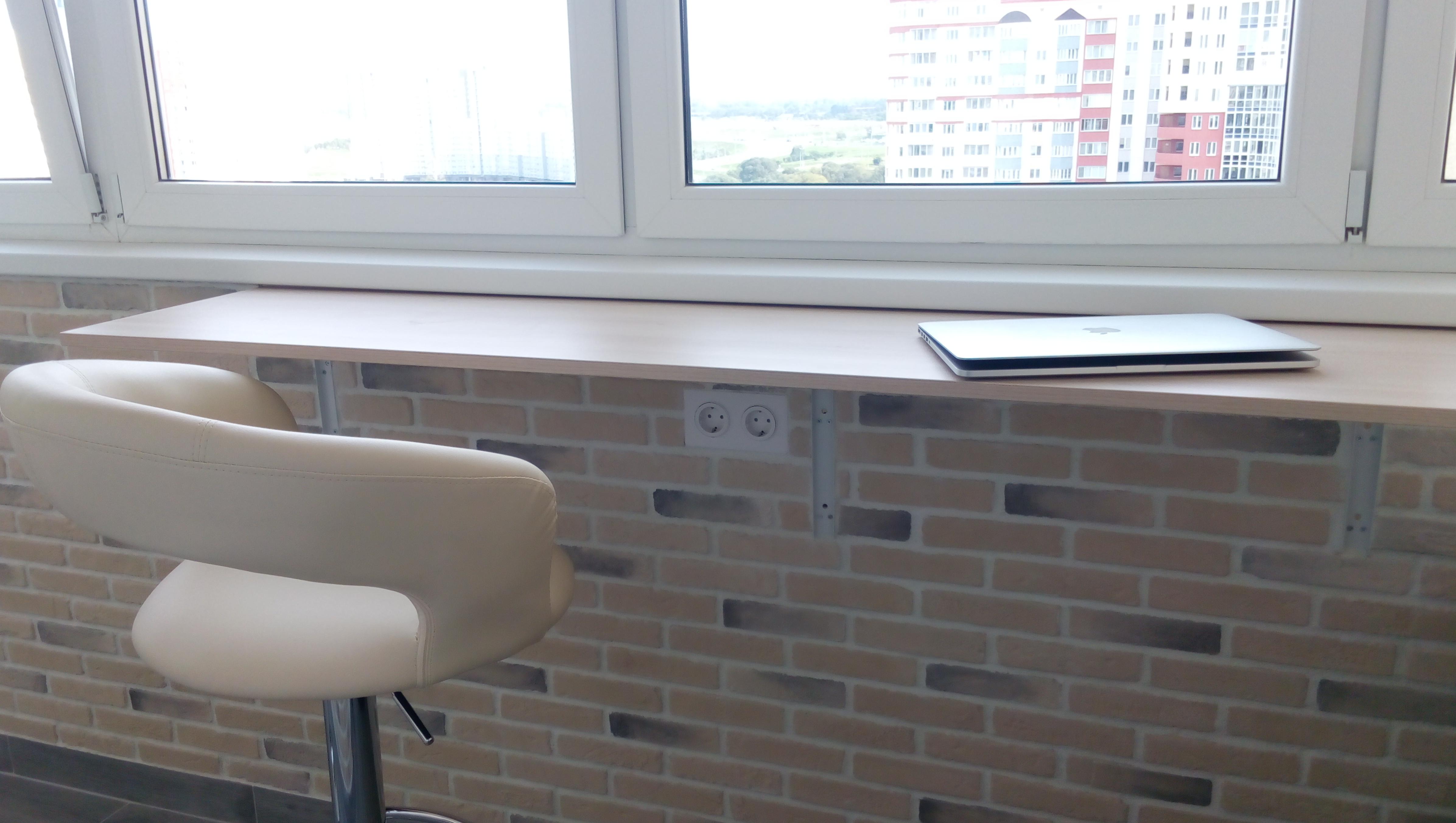 Столик откидной на балкон newmebel.